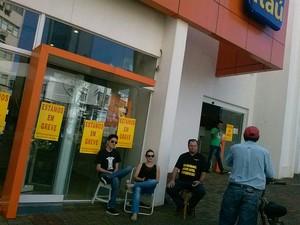 Em Cascavel, todas as 45 agências e postos de atendimento estão fechados (Foto: Sindicato dos Bancários de Cascavel / Divulgação)