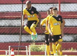 Anderson Salles e Lucas Crispim treino Vasco (Foto: Marcelo Sadio / vasco.com.br)