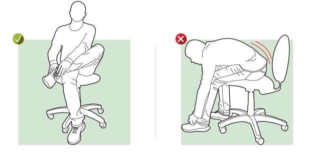Calçar sapatos Sente em uma cadeira, cruze uma perna sobre a outra e coloque o sapato evitando curvar a coluna.  (Foto: Editora Globo)