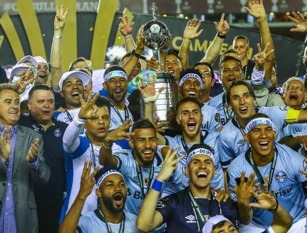 BLOG: Grêmio mantém esquema tático e tem atuação de gala na final da Libertadores