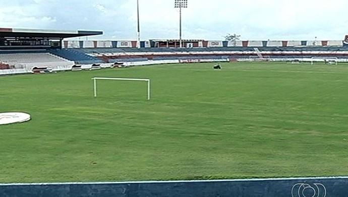 Estádio JK - Itumbiara (Foto: Reprodução / TV Anhanguera)