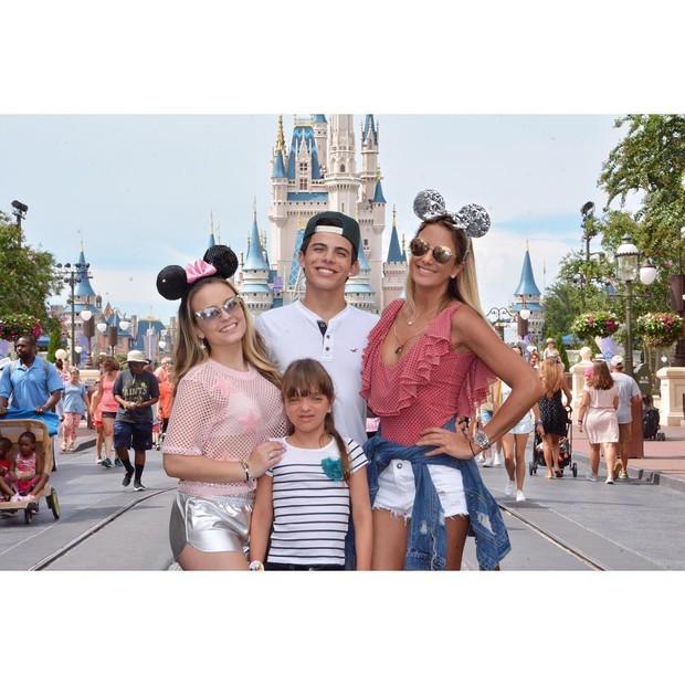 Larissa Manoela, Tici Pinheiro e Rafinha Justus (Foto: Reprodução/Instagram)