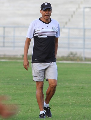 Éverton Goiano, técnico do Treze (Foto: Silas Batista / GloboEsporte.com)