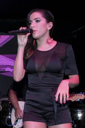 Anitta canta em boate na Zona Sul do Rio (Foto: Alex Palarea/ Ag. News)