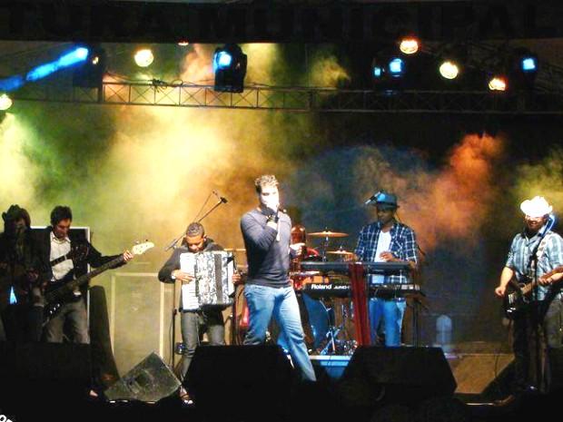 Banda leva sertanejo universitário ao litoral do Sul do Rio (Foto: Divulgação/Arquivo Pessoal Daniel Manzella)