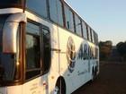 Passageiros de ônibus são obrigados a tirar a roupa e trancados por ladrões