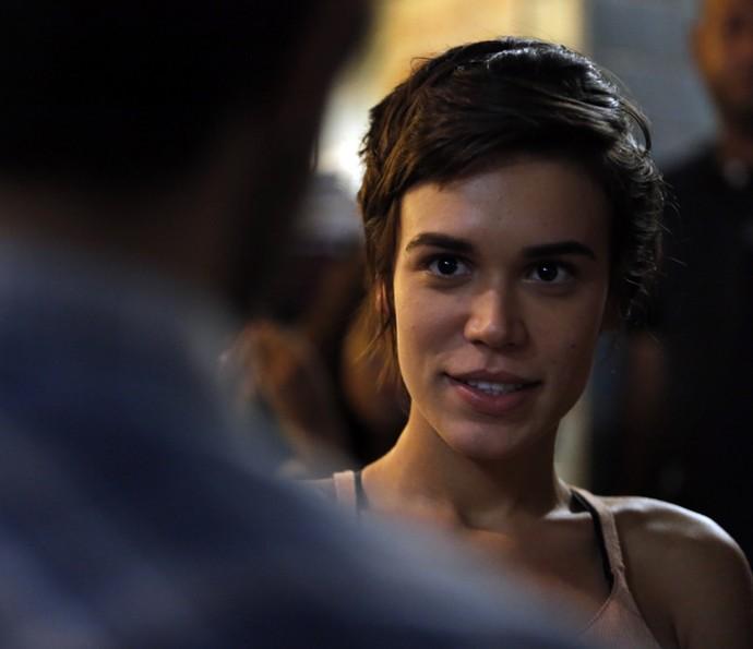 Leila surpreende Jonatas com convite (Foto: Fábio Rocha/Gshow)