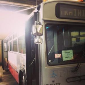 O ônibus original doado ao Lava Mae (Foto: Reprodução/ Instagram)