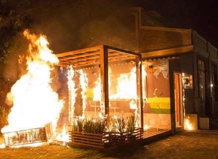 Cebola Brava é incendiado
