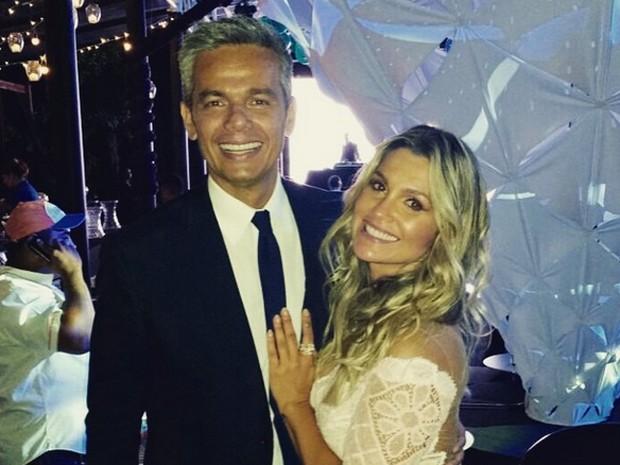 Otaviano Costa posa com a esposa Flávia Alessandra em festa (Foto: Arquivo pessoal)