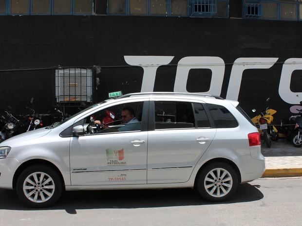 Mais de 30 veículos oferecem internet sem fio em Petrolina (Foto: Juliane Peixinho/G1)