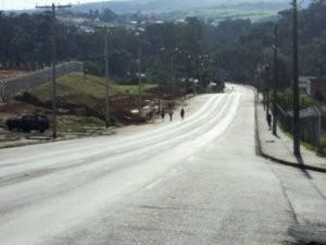 Local de diversos acidentes, estrada em Mombuca preocupa moradores (Foto: Edenilson José Bianchi)
