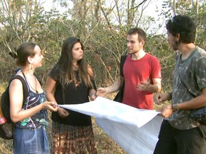 Estudantes apontam riscos que obra trará para animais e nascentes em área de cerrado da UFSCar (Foto: Reprodução/EPTV)