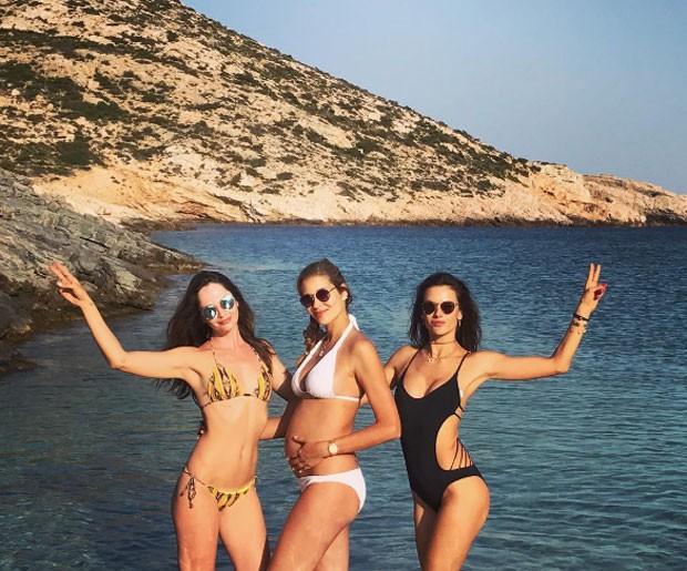 Renata Maciel, Ana Beatriz Barros e Alessandra Ambrosio (Foto: Reprodução)