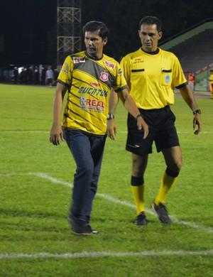 Hernán Oliveira - técnico do Guajará (Foto: Emanuele Madeira)