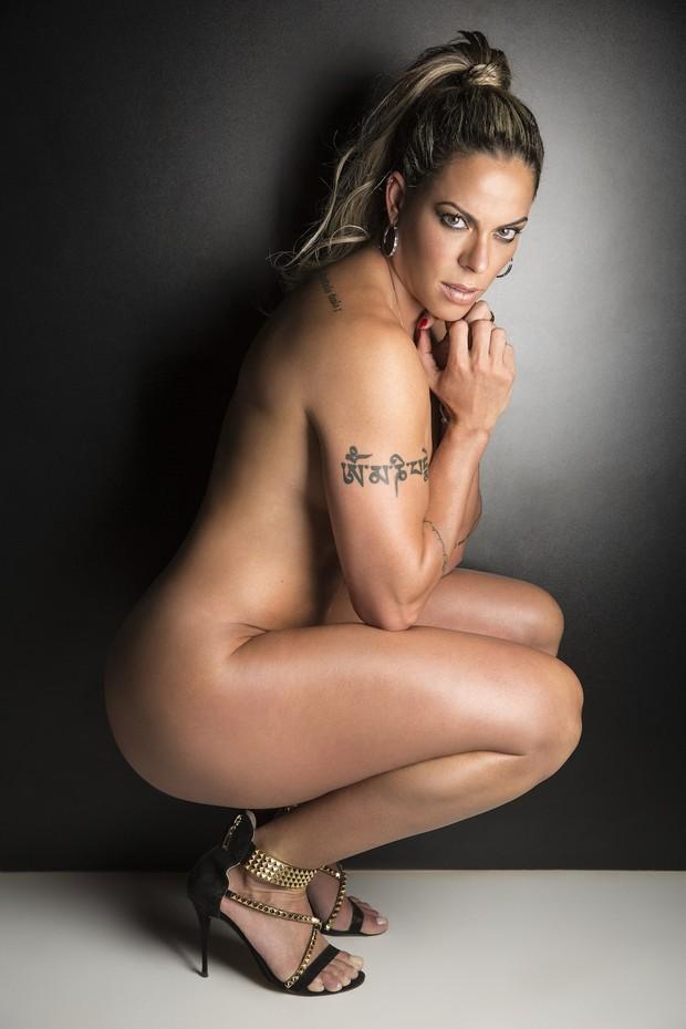 Ex-nadadora Rebeca Gusmão posa nua: 'Quero mostrar transformações'