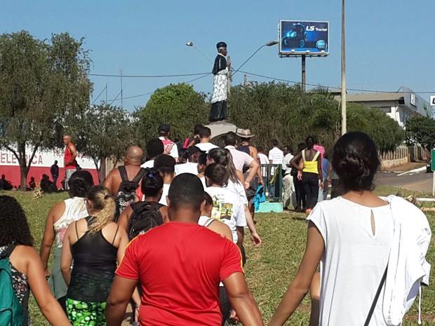 Fiéis participam de celebrações por 110 anos de morte de Padre Victor em Três Pontas (Foto: Lúcia Ribeiro / G1)