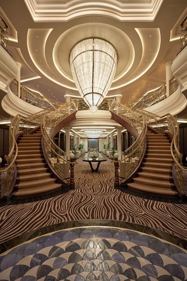Conheça o navio mais luxuoso do mundo