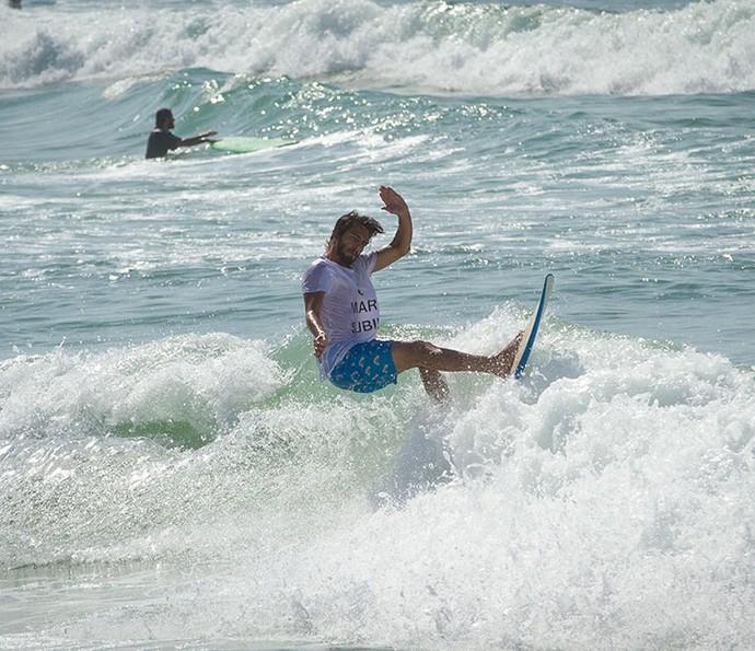 Brenno sonha em surfar no Havaí (Foto: Fabiano Bataglin/Gshow)