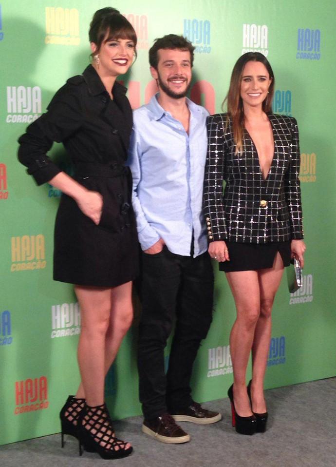 Agatha Moreira, Jayme Matarazzo e Fernanda Vasconcellos posam entrosados no evento de lançamento da novela (Foto: Gshow)