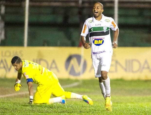 Willians comemora gol do américa-Mg contra o Oeste (Foto: José Luis silva / Agência estado)