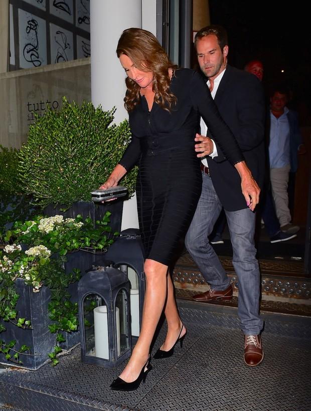 Caitlyn Jenner deixa restaurante em Nova York, nos Estados Unidos (Foto: AKM-GSI/ Agência)