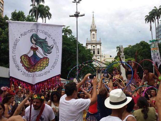 O 'Dia Internacional da Minissaia' surgiu após o desfile do bloco Mulheres Rodadas. (Foto: Divulgação/ Mulheres Rodadas)