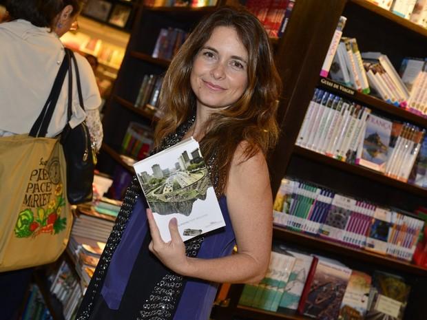 Cládia Abreu em lançamento de livro no Rio (Foto: André Muzell/ Ag. News)