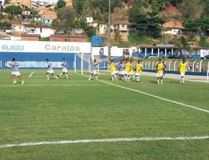Jogadores do CSA comemoram um dos quatro gols (Foto: Augusto Oliveira / GloboEsporte.com)