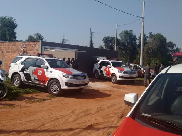 Tiroteio aconteceu na manhã deste sábado, no Vale do Igapó, em Bauru (Foto: Thaís Andrioli/TV TEM)