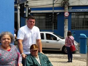 Idoso de 89 anos leva duas horas para ser avisado que estava na agência errada do INSS em Campinas (Foto: Fernando Pacífico / G1)