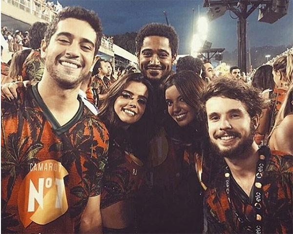 Giovanna Lancellotti, Alfie Enoch, Miguel Rômulo, Caíque Nogueira e Carolina Moraes (Foto: Reprodução/Instagram)
