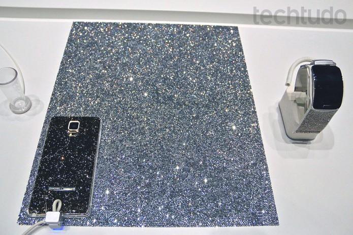 Galaxy Note 4 e Gear S ganham versões com cristais em parceira da Samsung (Foto: Fabrício Vitorino/TechTudo)