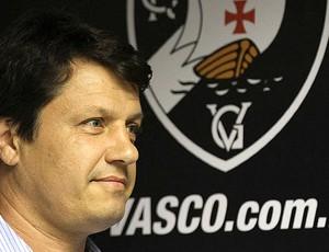 Adilson Batista Vasco apresentação (Foto: Marcelo Sadio / Site do Vasco)