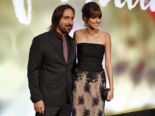 Agatha Moreira com o namorado, o cineasta Pedro Nicoll (Foto: Inácio Moraes/ TV Globo)