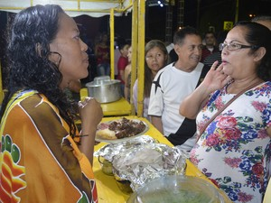 Muriella Burchert apresentou os pratos aos amapaenses (Foto: Gabriel Dias/G1)