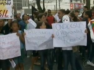 manifestação em feira de santana (Foto: Reprodução / TV Bahia)