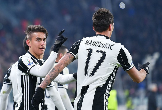 Dybala e Mandzukic, Juventus x Atalanta (Foto: Alessandro Di Marco/ANSA via AP)