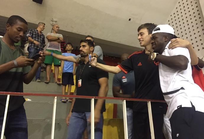 Vinicius Jr. Flamengo x Bauru basquete NBB (Foto: Gabriel Fricke)