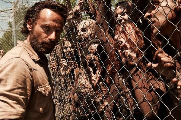'The Walking Dead': Rick e os zumbis. (Foto: Divulgação)