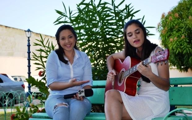 Cantora Thayna Vita é a convidada do quadro de música (Foto: Bruna Cássia/Rede Amazônica)