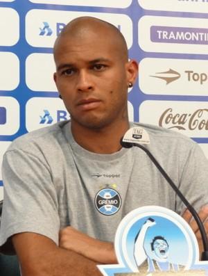 Gabriel Grêmio treino (Foto: Tomás Hammes/GLOBOESPORTE.COM)