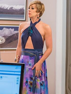 Ousada com frente-única sexy (Foto: Artur Meninea / Gshow)