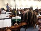 Neojiba homenageia 70 anos da Ufba com concerto a preço popular no TCA