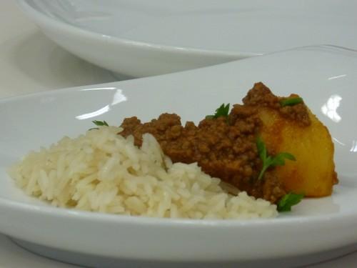 Carne Moída com Batatas e Arroz Soltinho