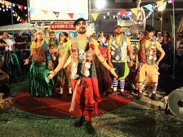 Poetas-piratas-saltimbancos aportam nas praças do Grande Recife (Foto: Miguel Igreja/Divulgação)