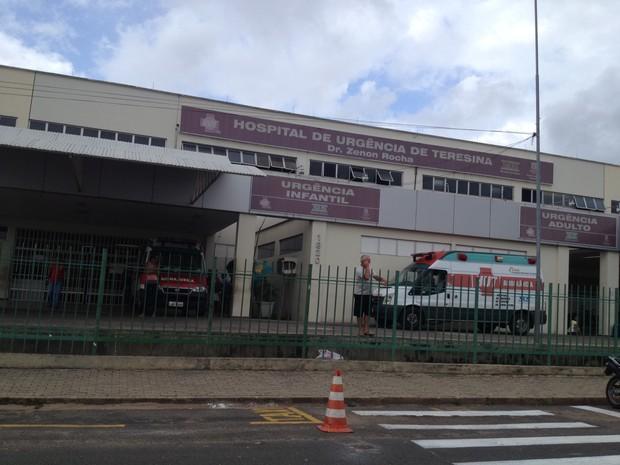 Hospital de Urgência de Teresina está com atendimento comprometido por conta da greve (Foto: Gil Oliveira)