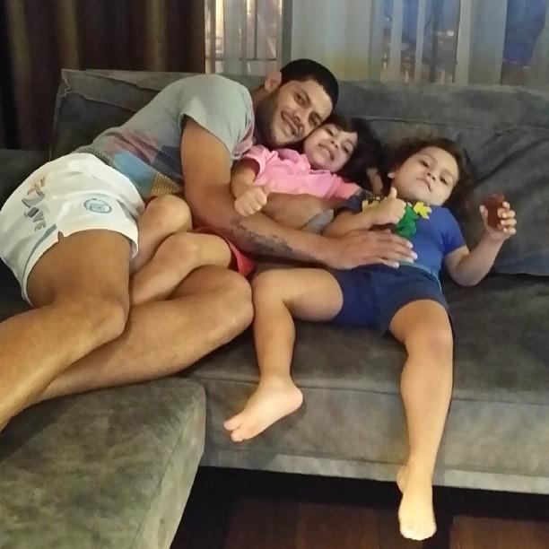 Hulk com os filhos (Foto: Instagram/Reprodução)