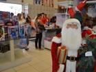 Clientes encontram lojas cheias para compra de produtos natalinos, em RO