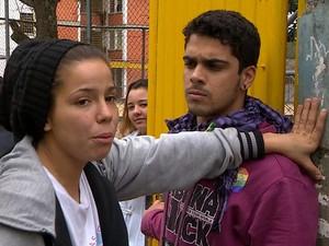 Alunos durante ocupação em uma das esolas estaduais de Porto Alegre (Foto: RBS TV/ Reprodução)